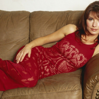 Shania Twain is a famous Canadian pop singer and songwriter
