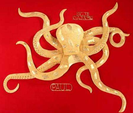 gold paul the octopus