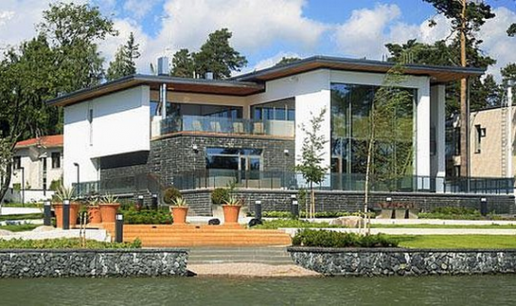 The champion Kimi Raikkonen has recently put up his luxury home for sale for an asking price of $17.8 million