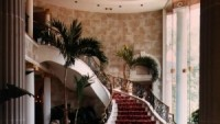 Spectacular main staircase