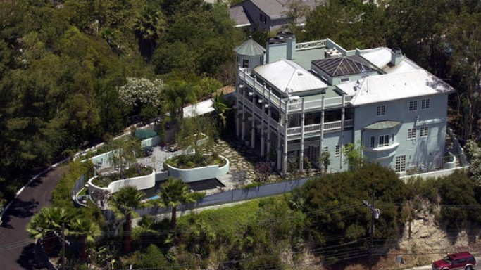 photo: house/residence of hot 45 million earning Beverly Hills, CA, USA-resident