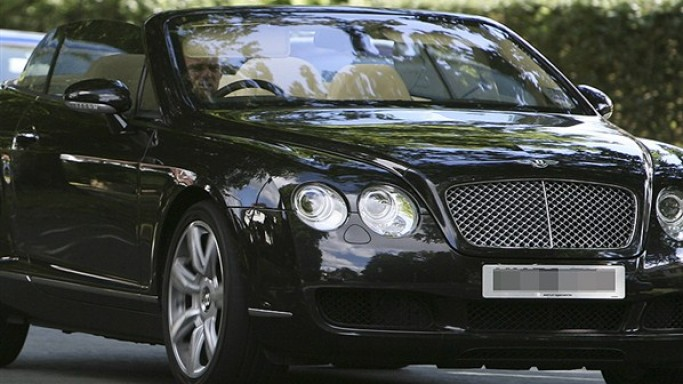 Wayne Rooney drives Bentley Continental GTC