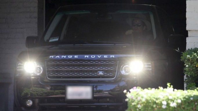John Mayer drives Range Rover