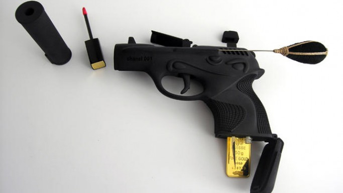 Dutch jewelry designer Ted Noten makes cosmetic firearm for the ladies
