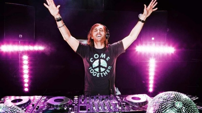David Guetta loves to use this headphone.