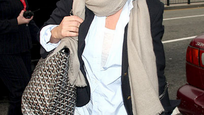Favored by the most high-heeled fashionistas, Shania was snapped carrying the Goyard 'St. Louis' Tote bag on her way to the airport.