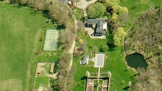 photo: house/residence of mysterious attractive  75 million earning London, New York & Milbrook-resident