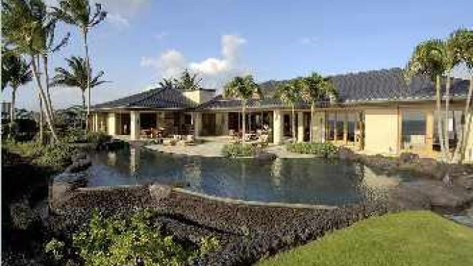 Hale Maluhia Ocean Front Luxury Estate in Hawaii