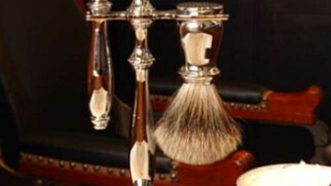 The Limited Edition Nickel Razor Set – A Perfect Gift For The Love of Your Life!
