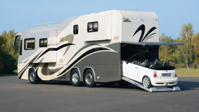 VARIO Perfect Platinum is a high-tech luxury home on wheels