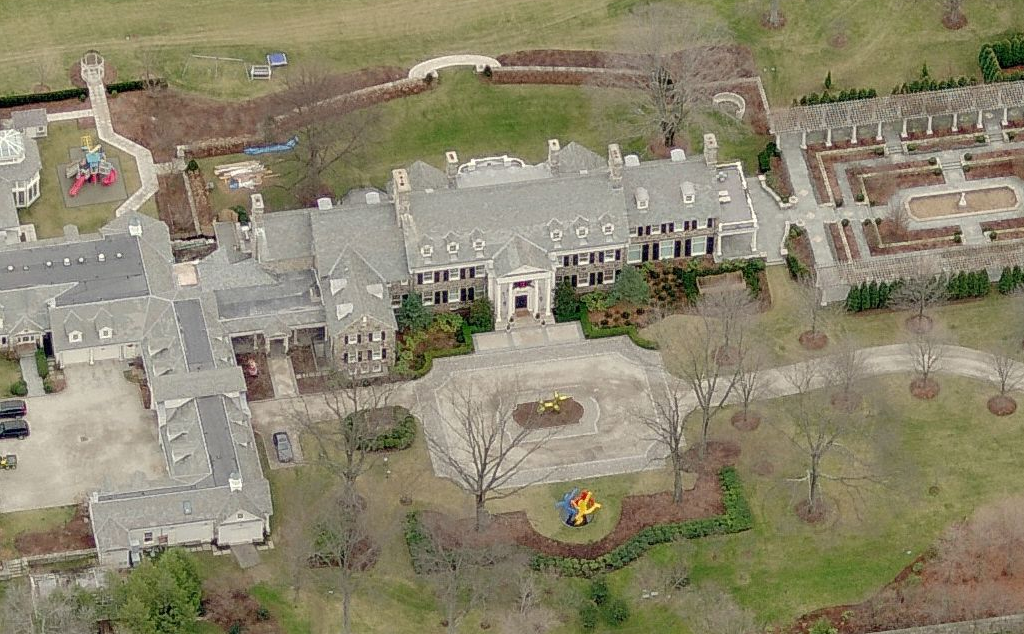 photo: house/residence of cool friendly talented  11000 million earning Greenwich, Connecticut-resident