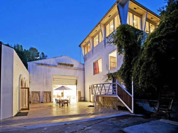Real Estate Beat: Hollywood Hills house that has its own bomb shelter