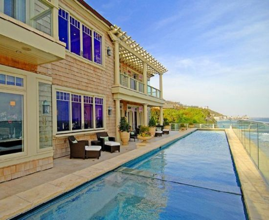 This Malibu Mansion Could Become The Most Expensive U.S. Home Ever Sold At Auction