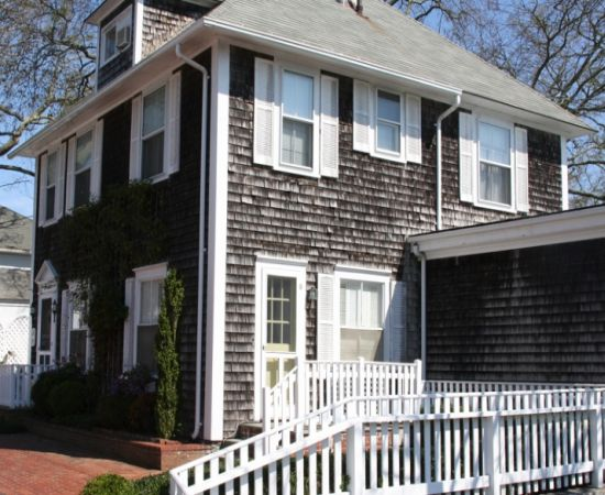 Edgartown estate up for auction