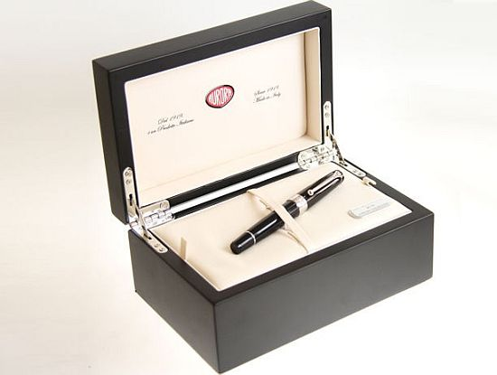 Mercedes Aurora 125th anniversary limited edition pen packaging