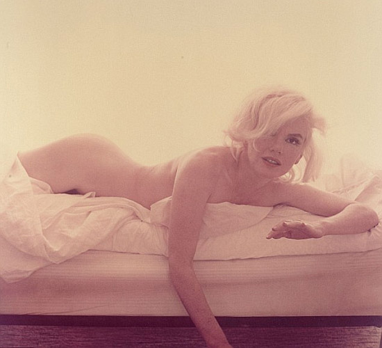 Marilyn Monroe on the bed