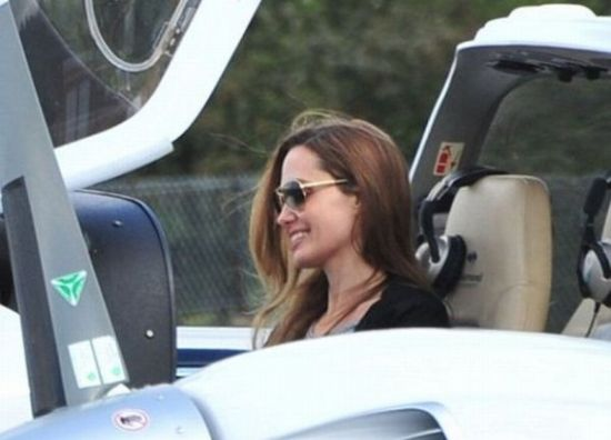 Angelina Jolie pampers hubby Brad Pitt with a $1 million helicopter