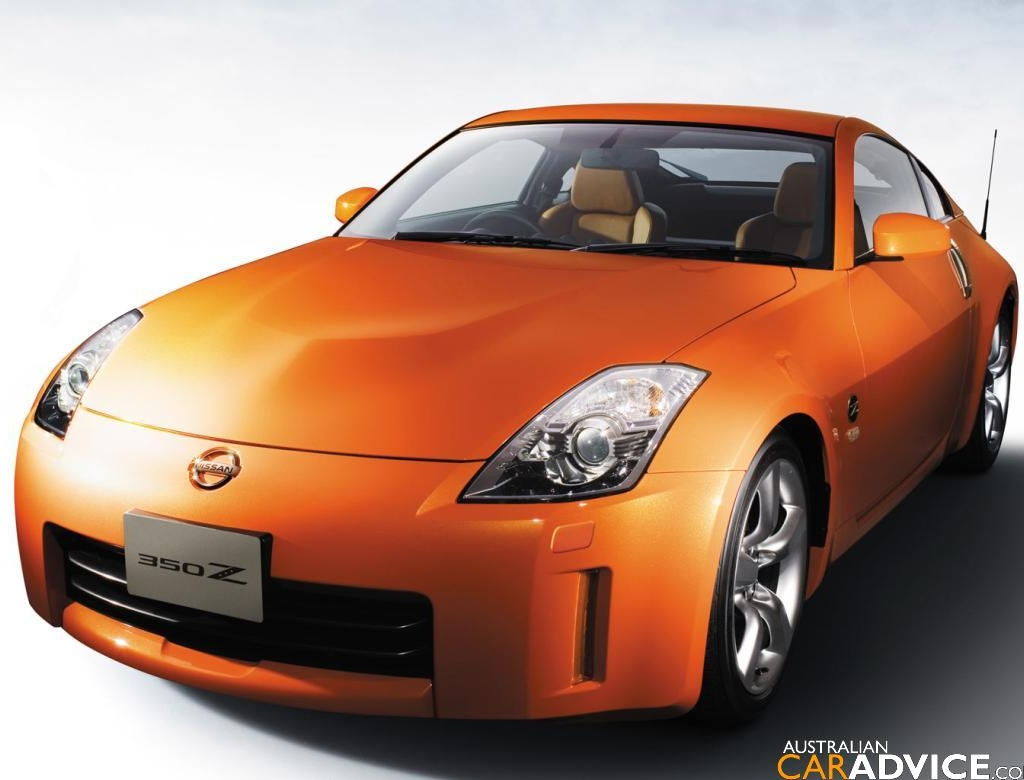 nissan 350z bornrich price features luxury factor engine review top speed mileage and. Black Bedroom Furniture Sets. Home Design Ideas