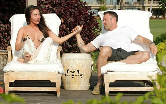 Megan Fox and her partner Brian Austin Green in Hawaii