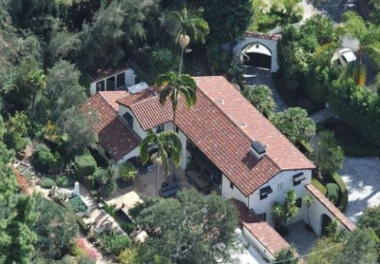Robert Pattinson puts up Los Angeles home for sale which he once shared with Kristen Stewart