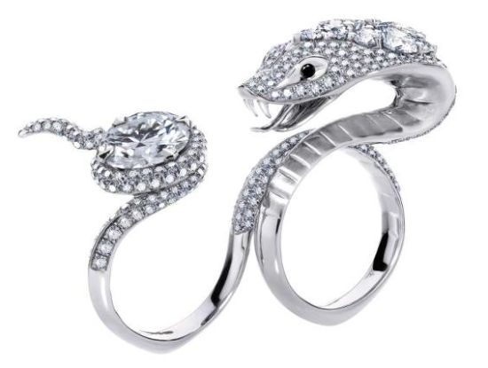 Stephen Webster's 'Temptation of Eve' Ring