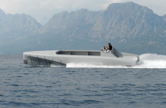 SILVER ARROWS MARINE GRANTURISMO by Mercedes Benz Style COMPLETES FIRST SEA TRIALS