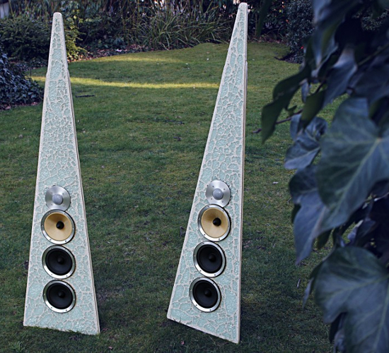 Rinzsound exotic speakers can set up almost in every setting