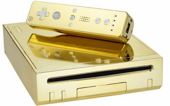 queen gets gold plated wii 0