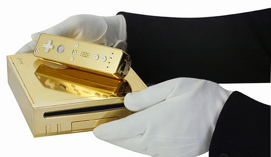 queen gets gold plated wii 2