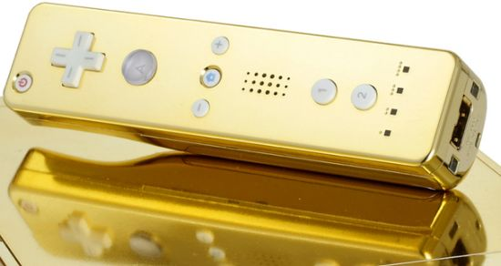 queen gets gold plated wii 4