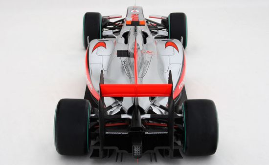 vodafone mclaren mercedes scale replica 3