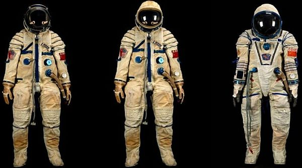 Space History Sale: Alexei Leonov's space suit sells for $242,000